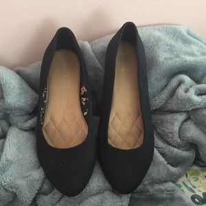 Women flats used once once
